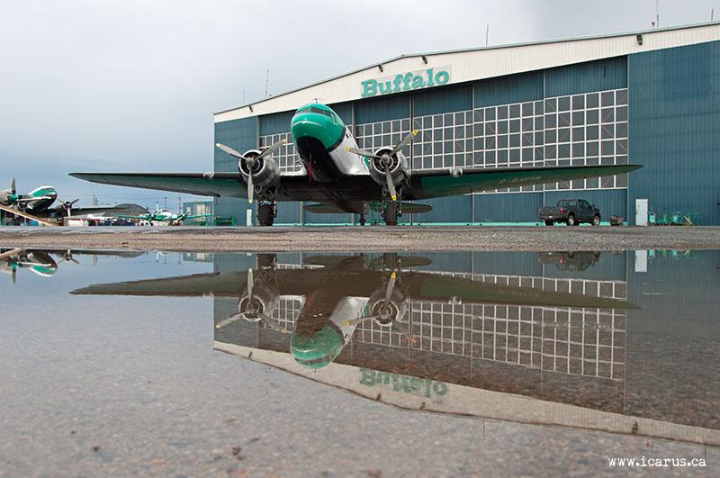 DC-3 in front of Buffalo hangar